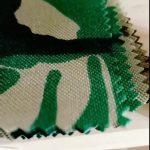 Tela consolidada de la chaqueta del jersey de la densidad del paño grueso y suave del 100% poliester 2018